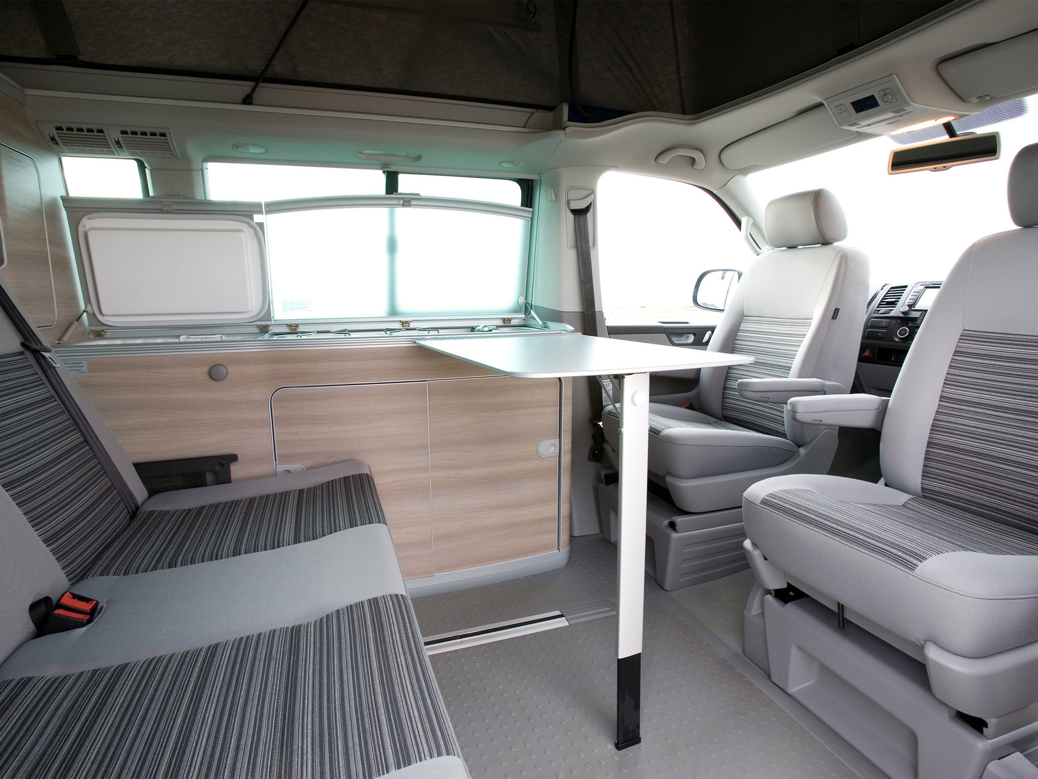 alquiler camper vw california en madrid take a van. Black Bedroom Furniture Sets. Home Design Ideas